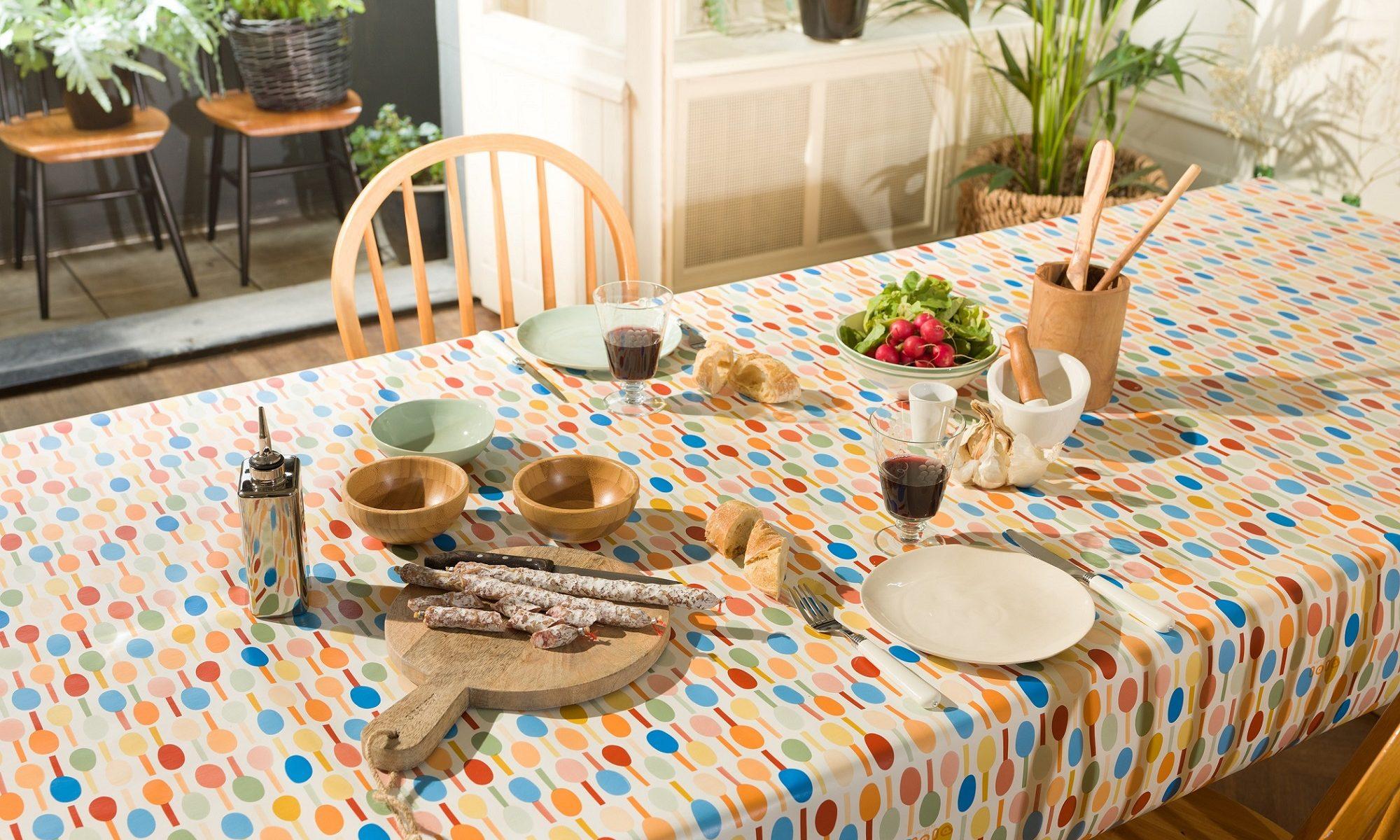 Lola tablecloth feature photo